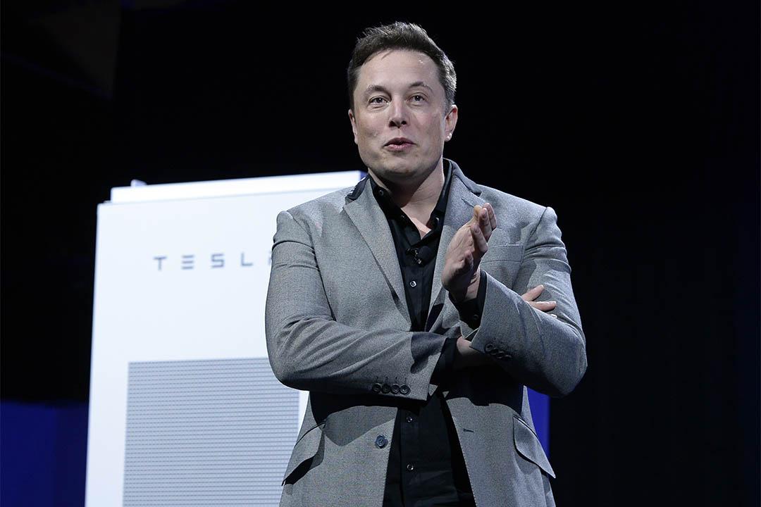 """伊隆·馬斯克可能會創建""""boring company"""",主打隧道交通。圖為2015年4月30日,伊隆·馬斯克出席一個發佈會。"""