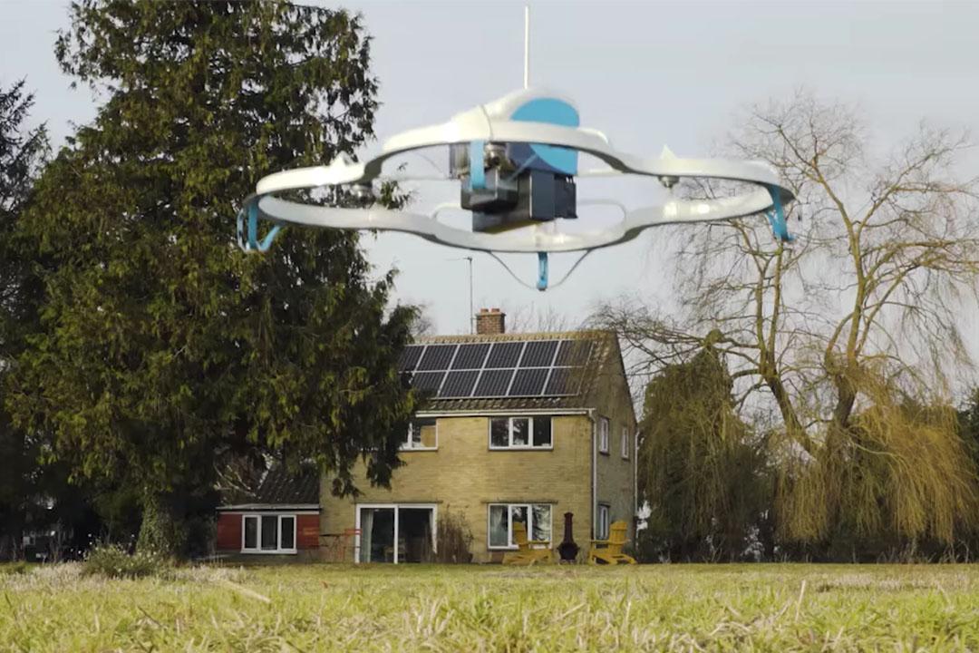 亞馬遜第一次成功藉助無人機交付商品。