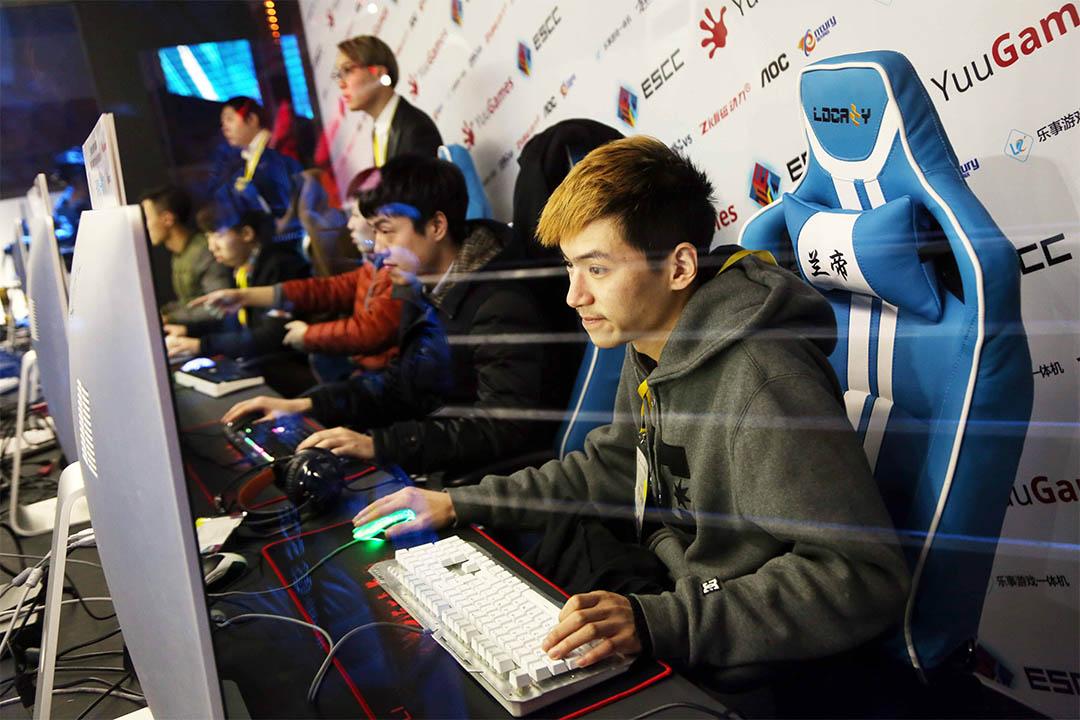 中國文化部禁直播未審批遊戲。圖為2016年3月13日,上海一個電競比賽。