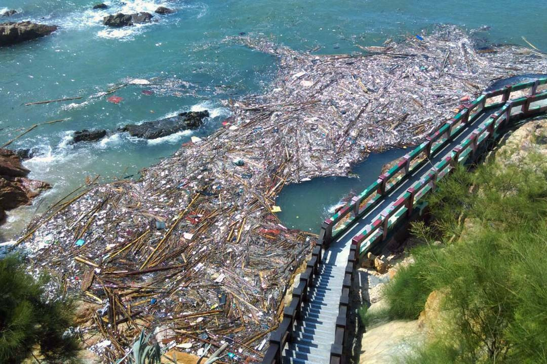 在鐵堡的海漂垃圾。