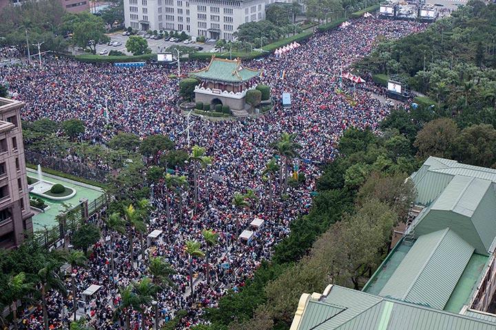 12月10日,同志團體於凱道舉辦音樂會。