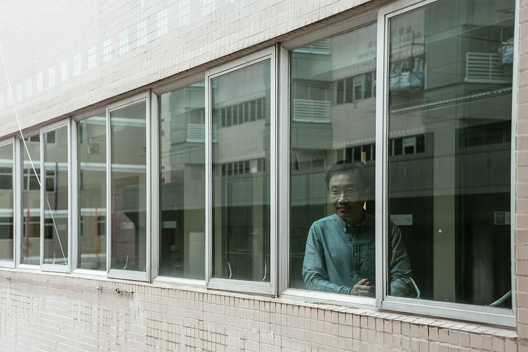 浸會大學人文及創作系羅貴祥教授。