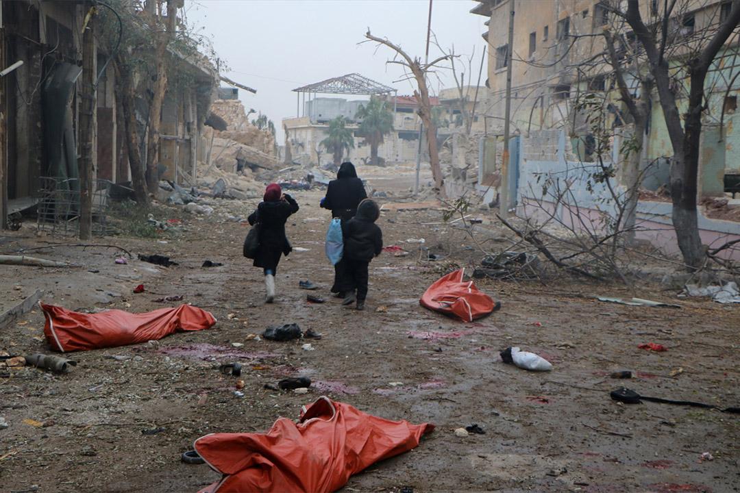 2016年11月30日,敘利亞阿勒頗,敘利亞政府軍空襲阿勒頗阿布扎比居民區。