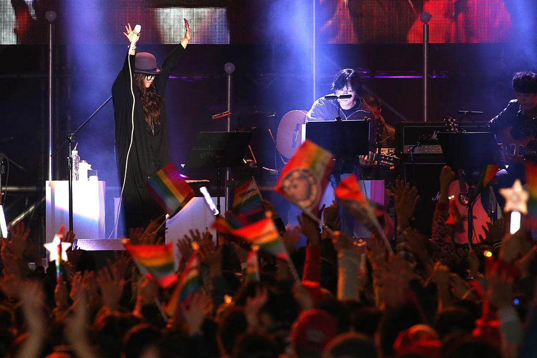 2013年12月22日,歌手張惠妹舉辦『愛是唯一』演唱會。