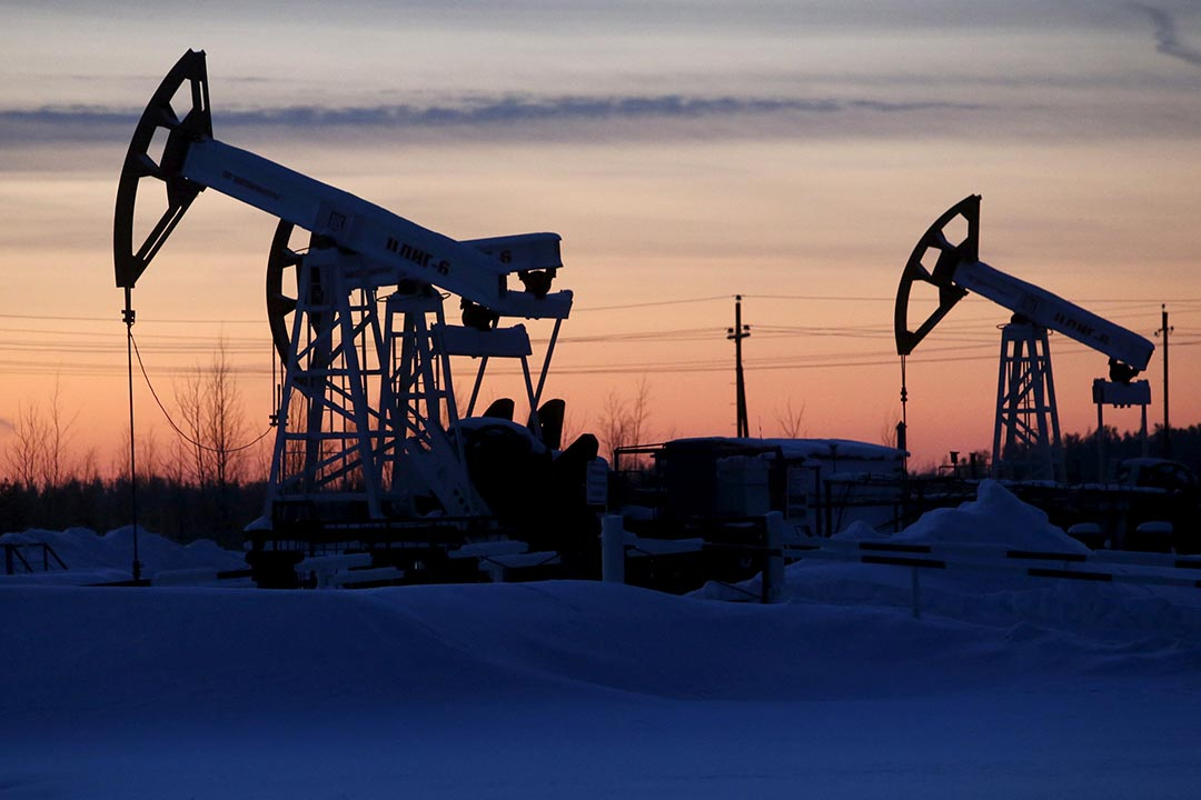 OPEC達成減產協議,每日上限為3250萬桶,令國際油價上漲10%。
