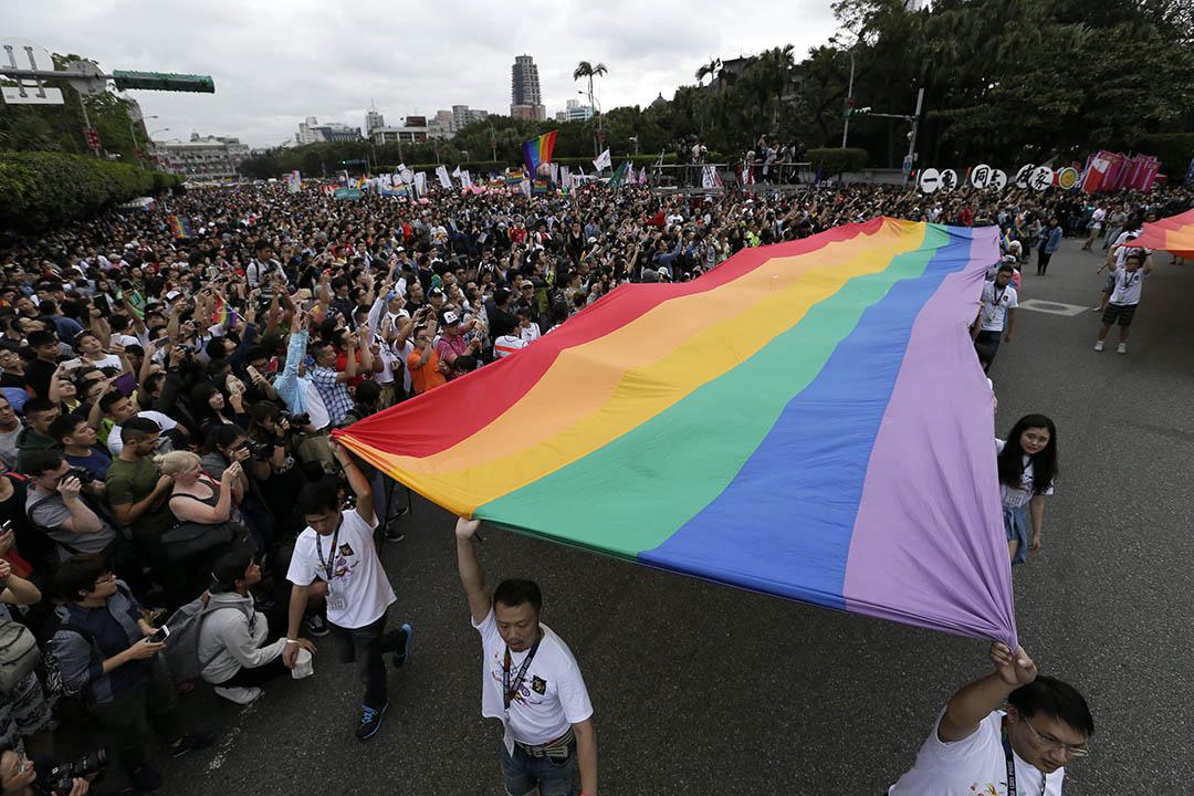 10月30日,第13屆同志大遊行。