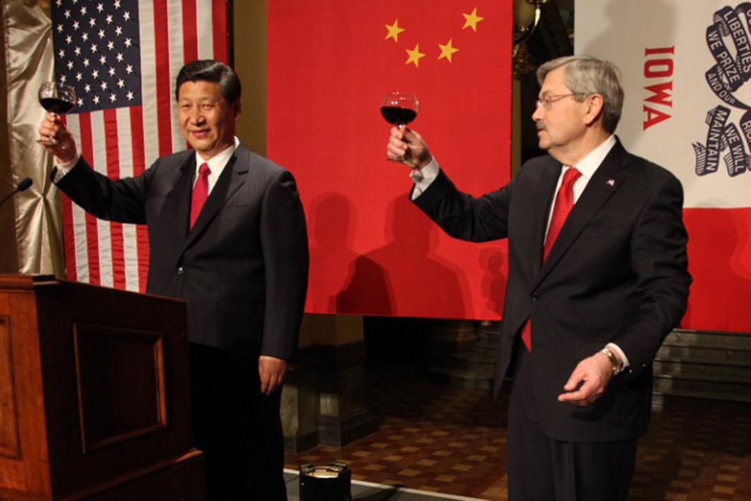 特朗普任命艾奧瓦州州長Terry Branstad為駐華大使。圖為2012年2月, 時任國家副主席習近平訪美期間到訪愛荷華州首府德梅因。