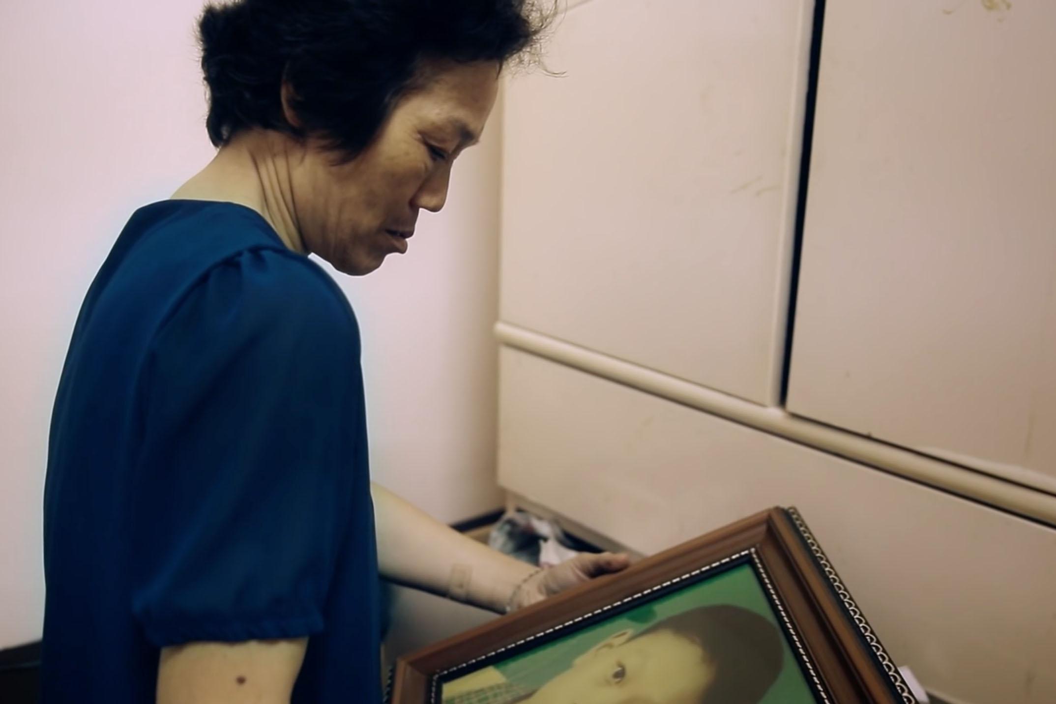 玫瑰少年葉永鋕的母親,陳君汝。
