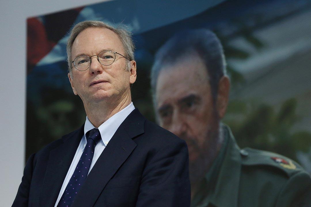埃里克·施密特代表Google在哈瓦那簽署了一份協議。