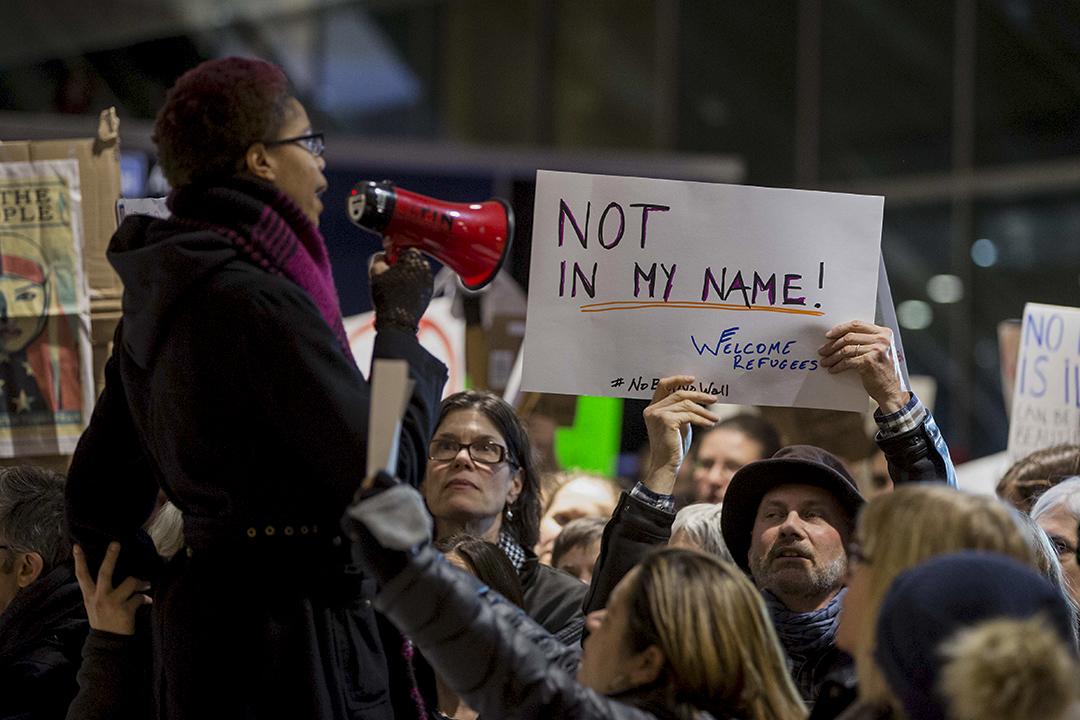 2017年1月28日,抗議者在波士頓反對新的移民禁令。