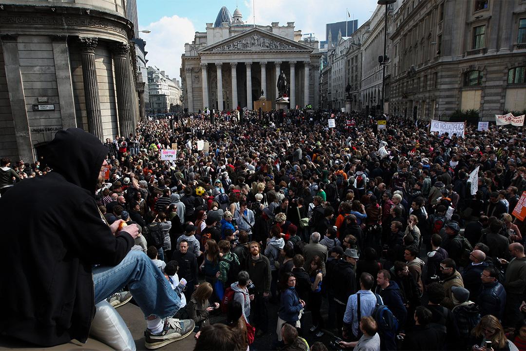 圖為世界領導人到達倫敦舉行G20峰會時的一次示威,反映政治經濟秩序未能有效地應對不平等,出現了支持與反對全球化的群體對立。