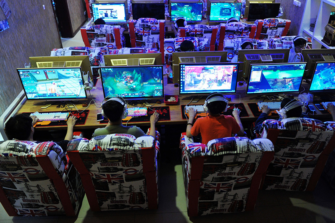 斷網壓抑人們對互聯網的渴望,形成更加瘋狂的反彈。