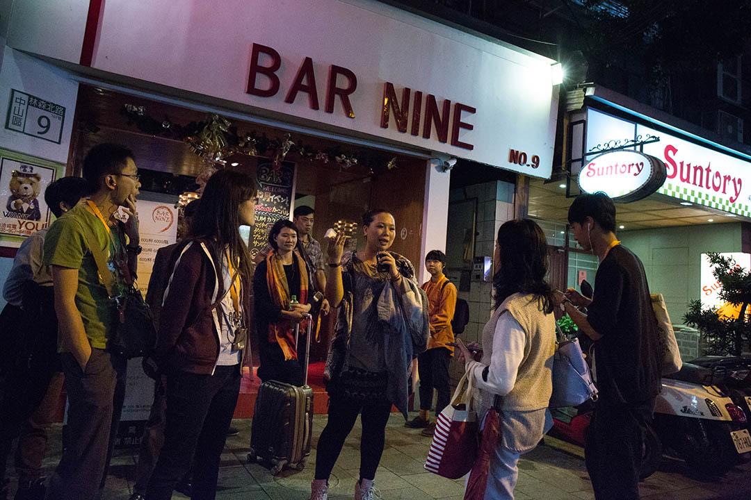 入行11年的席耶娜,從日式酒吧小姐一路做到媽媽桑、店長,如今已是擁有經營權的店老闆。