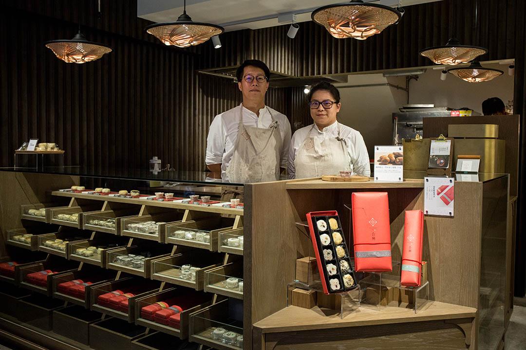 任佳倫與鄭匡佑是南門市場70年老鋪上海合興糕糰店的第三代傳人。