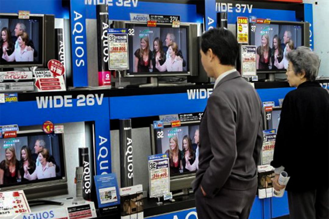 PM根據電視元數據庫,分析電視對於國內政治話題的曝光度。