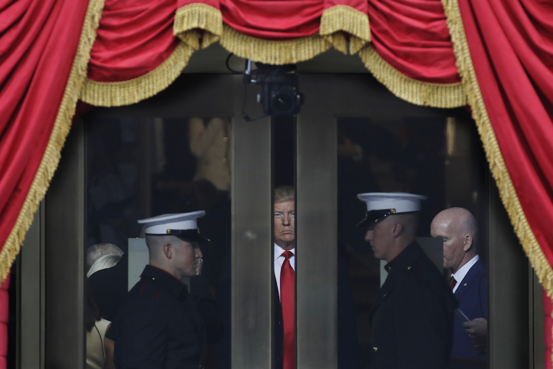 美國時間1月20日中午,美國候任總統特朗普進場,就職典禮正式開始。