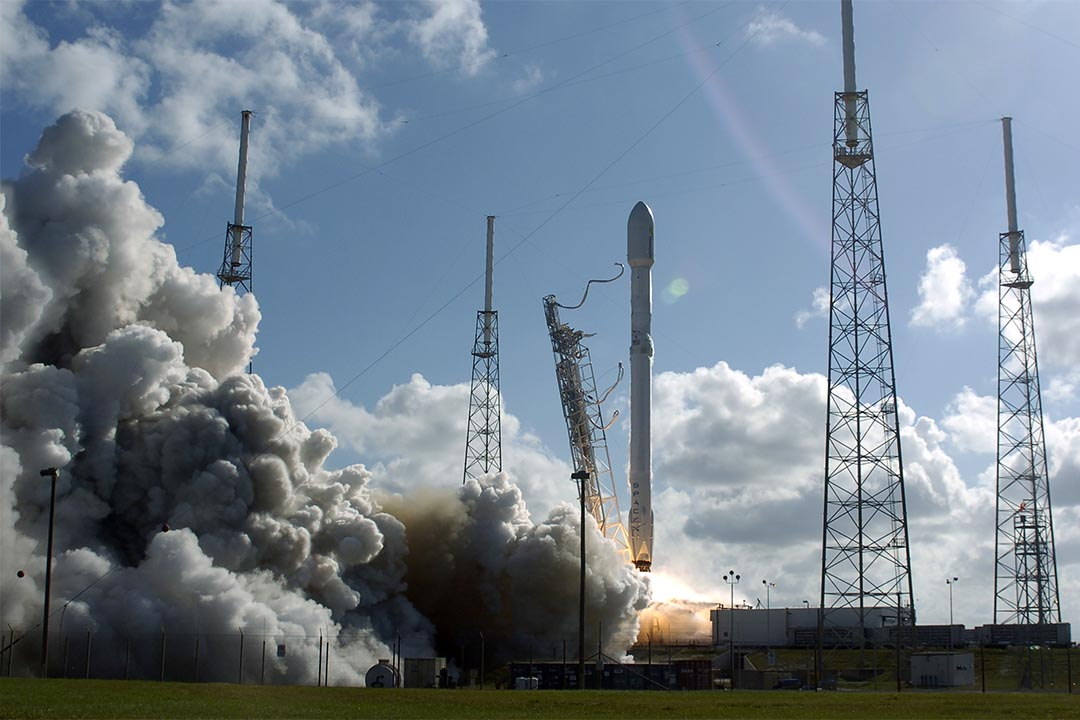 """SpaceX重啟發射計劃,1月8日將發射可返程衞星。圖為2016年5月27日,美國發射了""""獵鷹9號"""" 火箭。"""