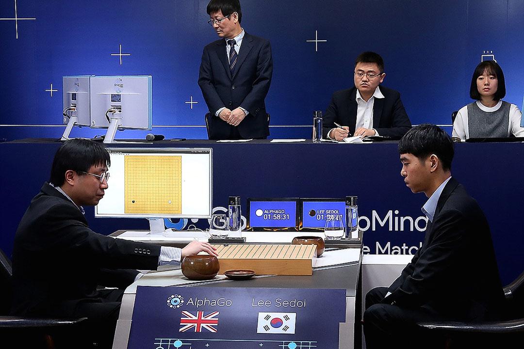 黃世傑與AlphaGo對弈李世石。