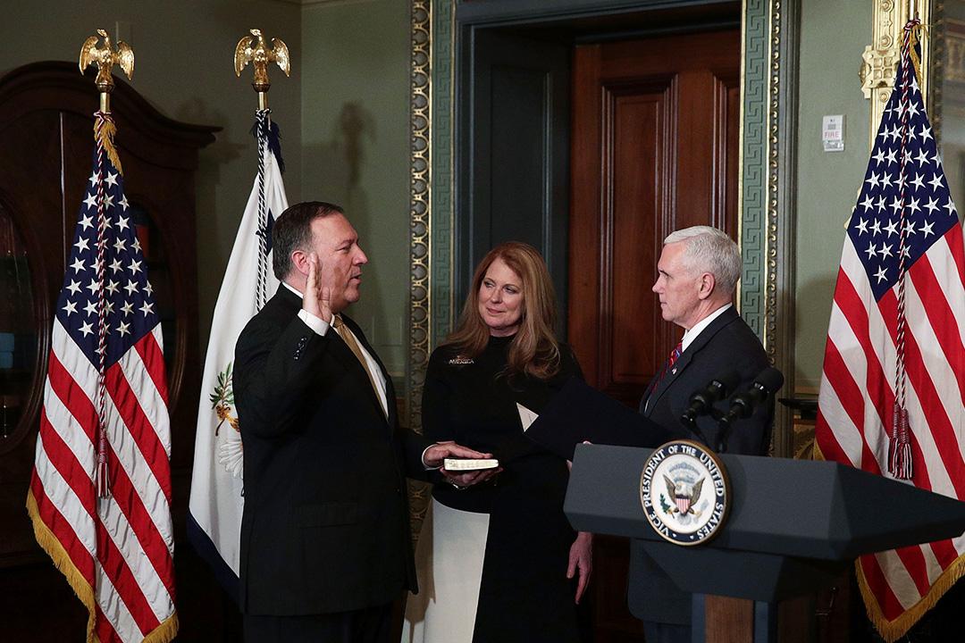龐皮歐宣誓就職CIA局長。