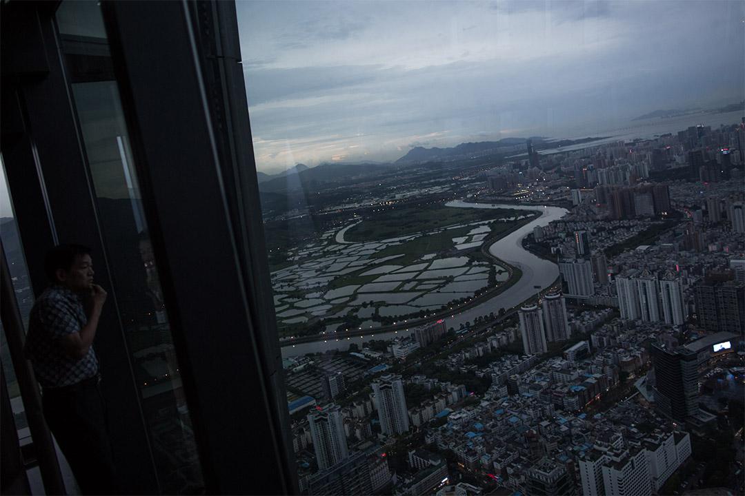 香港政府與深圳市政府簽署《關於港深推進落馬洲河套地區共同發展的合作備忘錄》,將於佔地87公頃的河套地區共同發展「港深創新及科技園」。