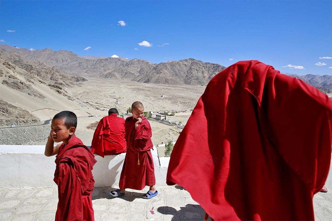 2016年9月26日,印度拉達克,僧侶在休息。