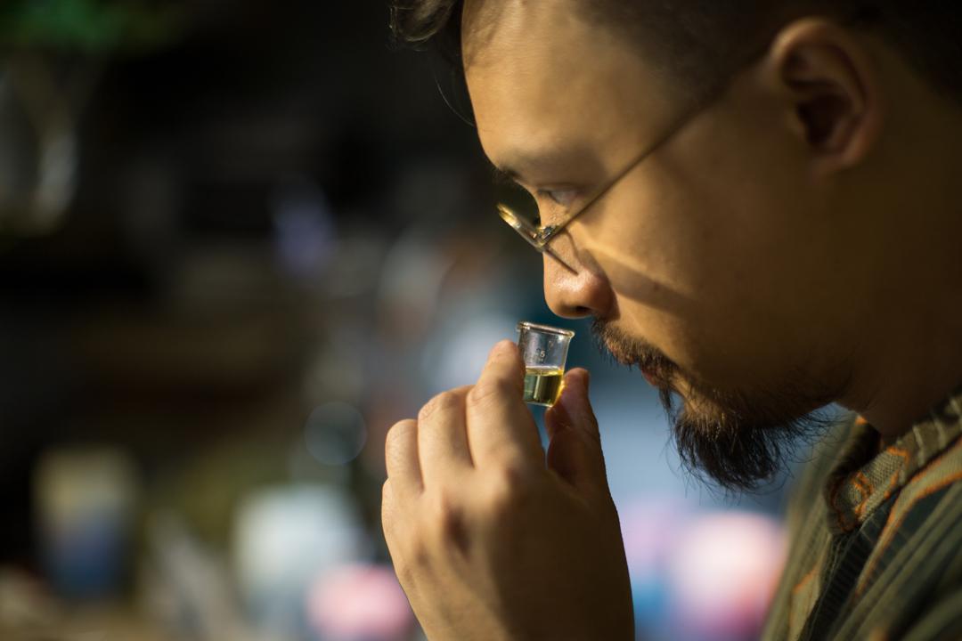 Xavier逐漸迷上了研究氣味與生活、回憶之間的關聯。