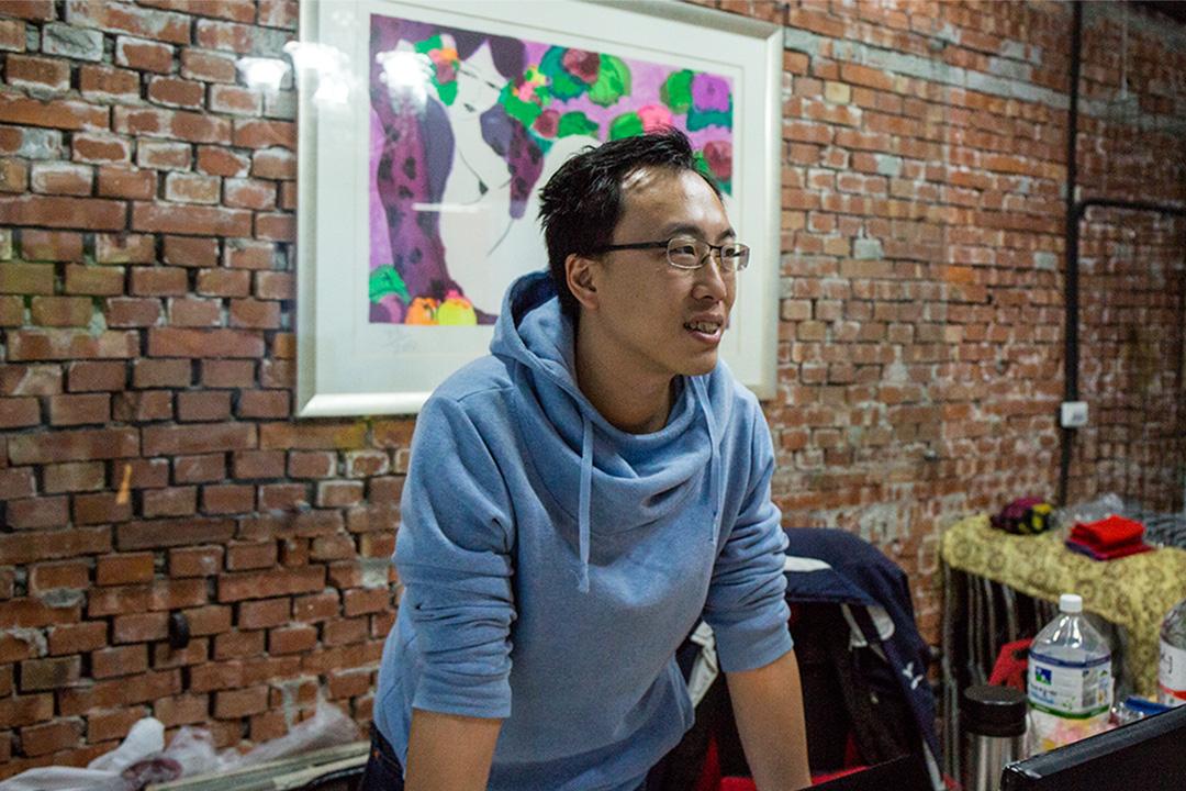 林柏年於2013年在台灣成立了「華麗藥業」公司,之後決定中國大陸開拓市場。