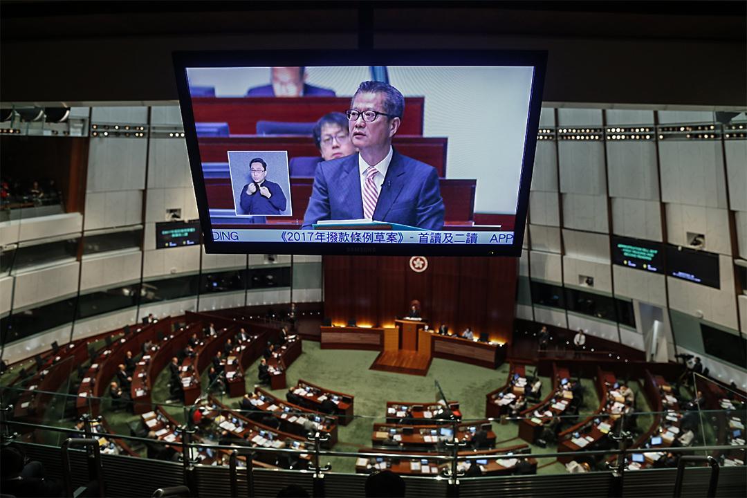 2017年2月22日,2017-18年度財政預算案公佈,陳茂波指沒有任何預算案能滿足所有市民需要。