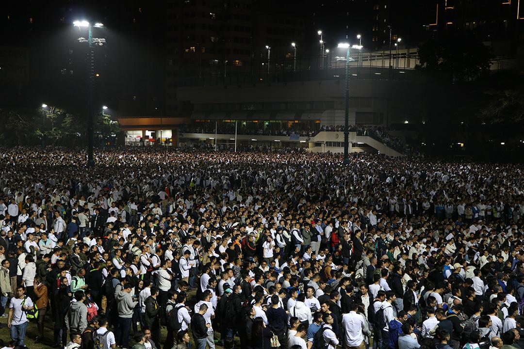 2月22日,香港警察员佐级协会联合警务督察协会发起特别会员大会,声援近日被判监的七警,并商讨支援事项。