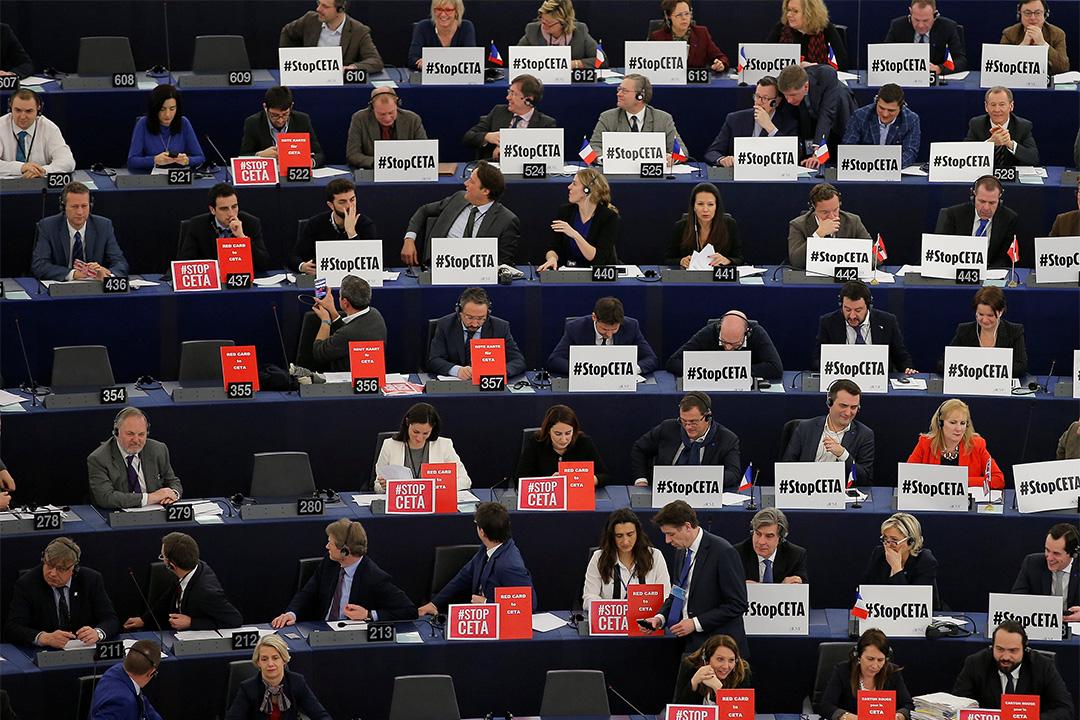 歐洲議會成員投票通過加拿大與歐盟的貿易協定。