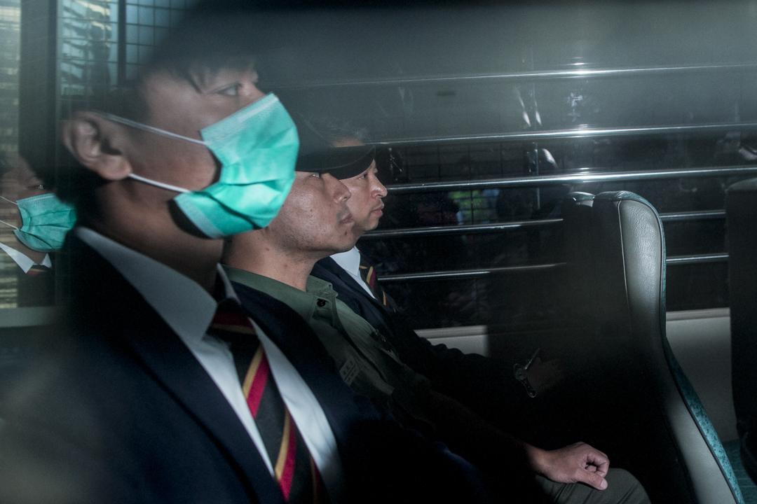2月17日,七名襲擊示威者的警員均被判監兩年,且不可緩刑,並由囚車押送離開法院。