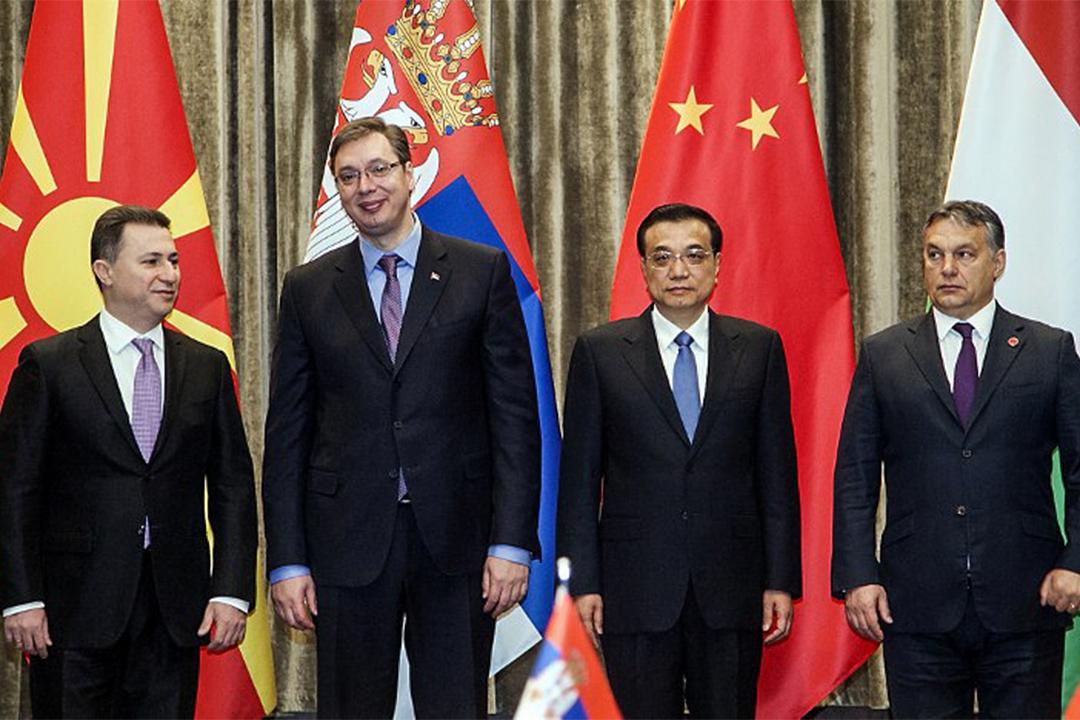 2014年12月17日,馬其頓總理尼Nikola Gruevski、塞爾維亞總理Aleksandar Vucic、中國總理李克強和匈牙利總理Viktor Orban在中東歐國家經濟貿易論壇上。中國,匈牙利和塞爾維亞簽署了一項高速列車協議。