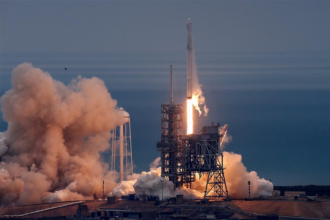 2017年2月19日,SpaceX「獵鷹9號」火箭在美國佛羅里達州卡納維拉爾角的甘迺迪航天中心發射。