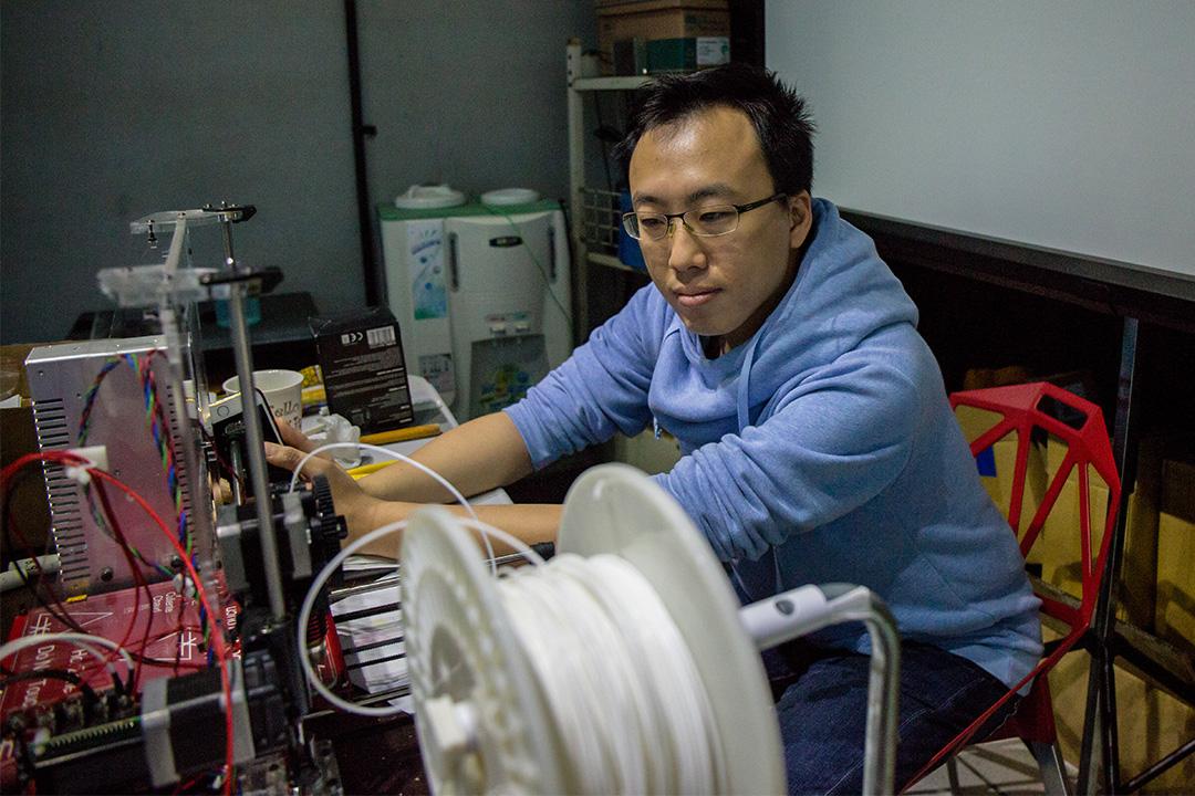 去年起,林柏年趕搭「網紅行銷」的列車,再加上「台灣概念」,專注打造起台籍網紅,經營網紅導購。