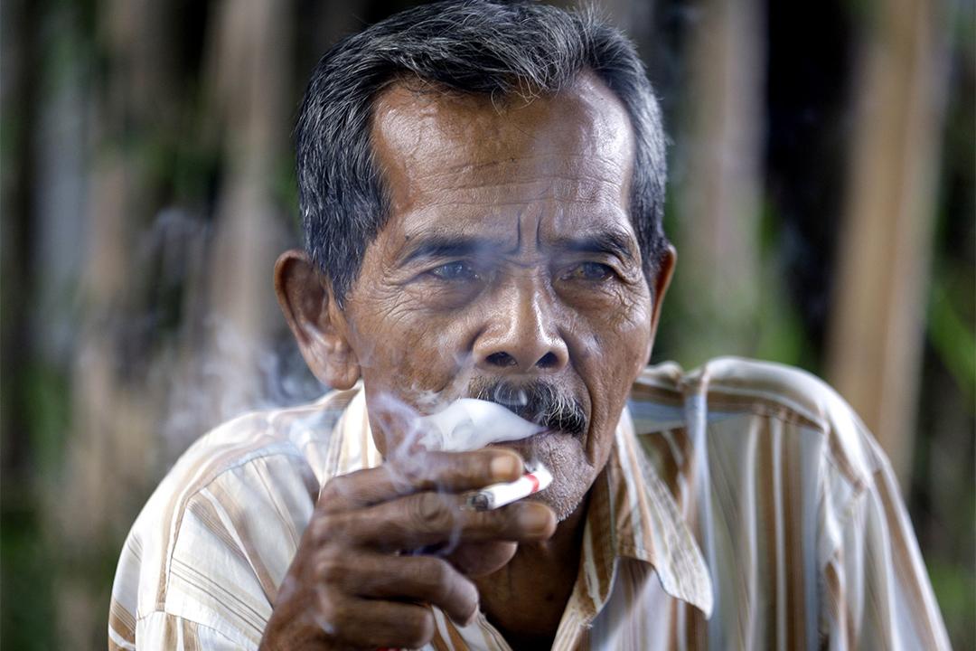 印度尼西亞煙民。