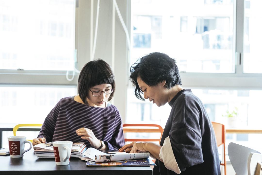 獨立記者陳曉蕾及林茵。