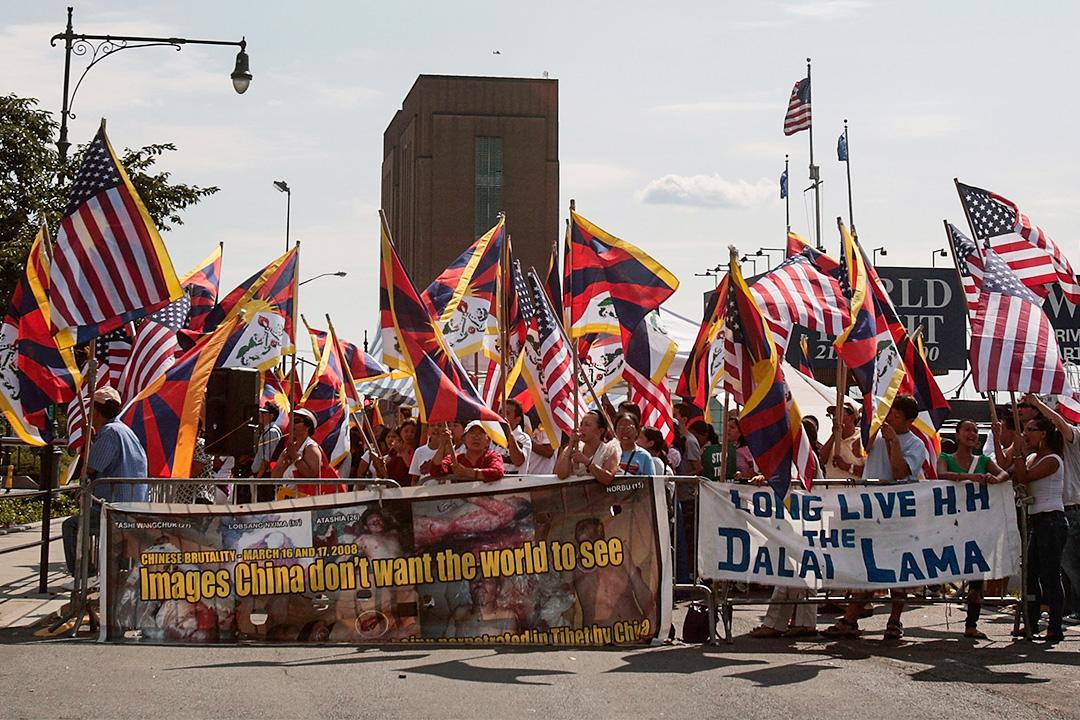 2008年西藏騷亂及奧運聖火傳遞風波引起國際輿論不斷,氣氛敏感緊張。圖為08年,美國紐約對相關議題的示威。