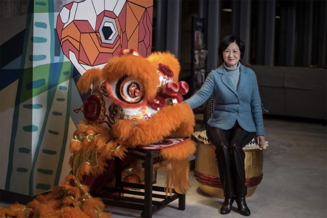 葉劉淑儀於直播後在參觀Facebook香港辦公室。