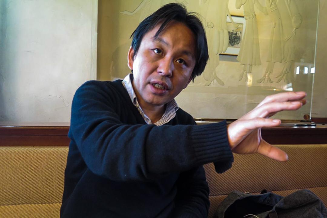 《日本會議之研究》作者菅野完。