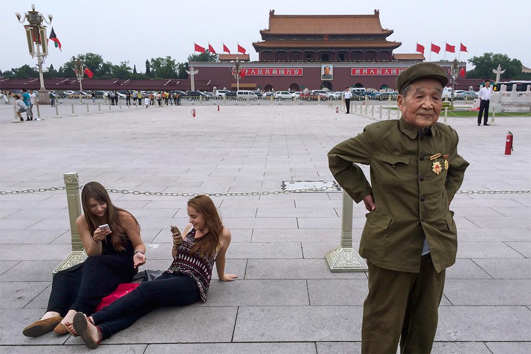 中國面向外國人的大門似乎敞得更開,但要長久居留越來越不容易。