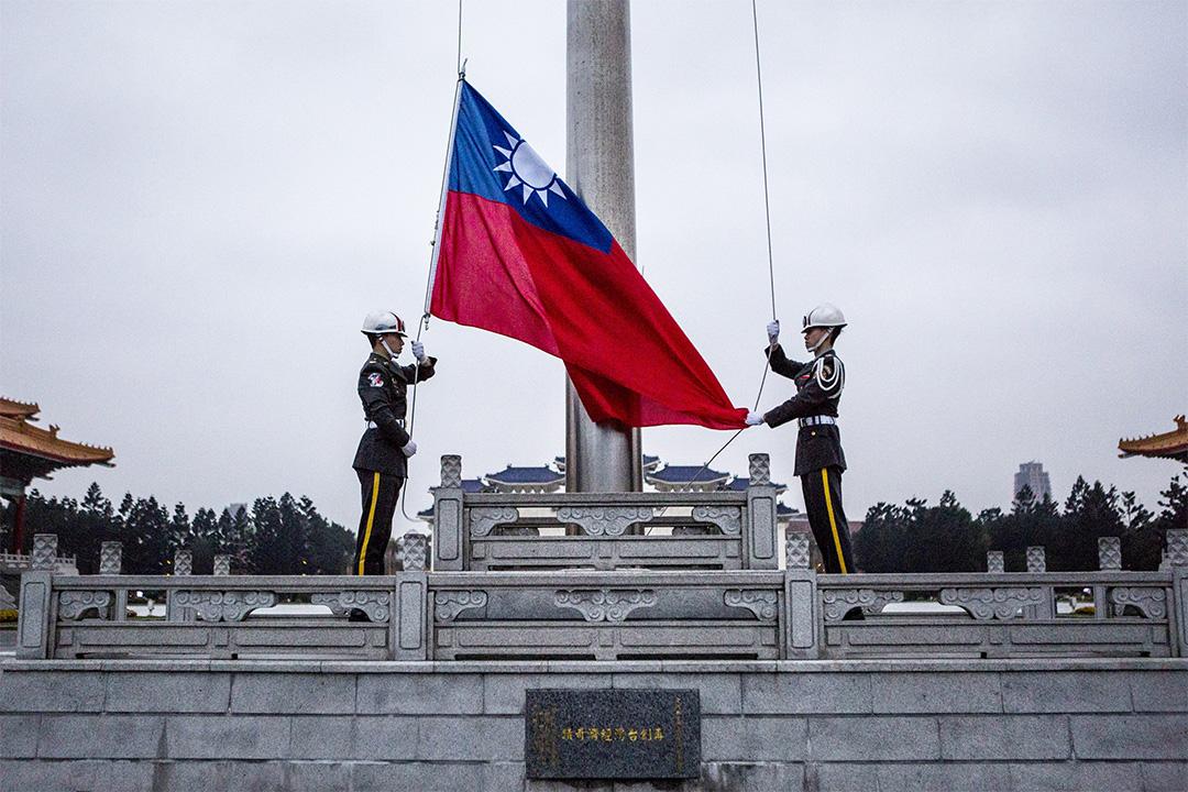 中正紀念堂舉行升旗儀式。