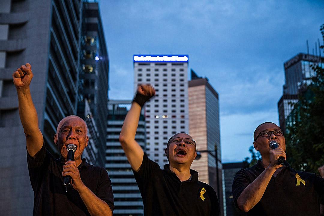 有指「佔中三子」戴耀廷、陳健民及朱耀明將被起訴妨擾罪。