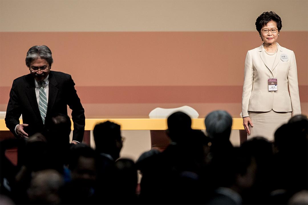 3月26日,投票日,林鄭月娥以777票當選,曾俊華只有365票。