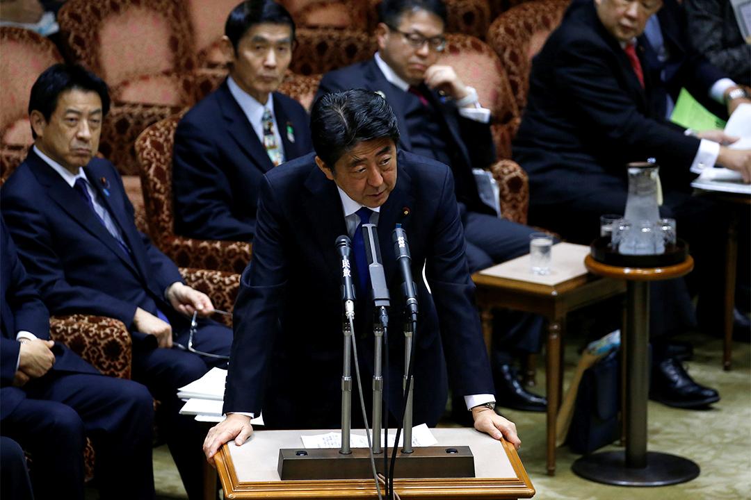 日本首相安倍晉三於記者會表示,北韓發射疑似彈道導彈的4枚飛行物,而其中3枚落入日本專屬經濟區。