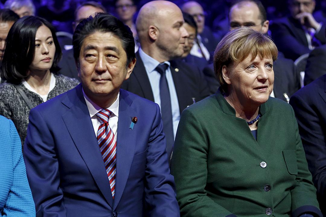 2017年3月19日,日本首相安倍晉三與德國總理默克爾一同出席於德國漢諾威舉行的CeBit電腦展開幕式。