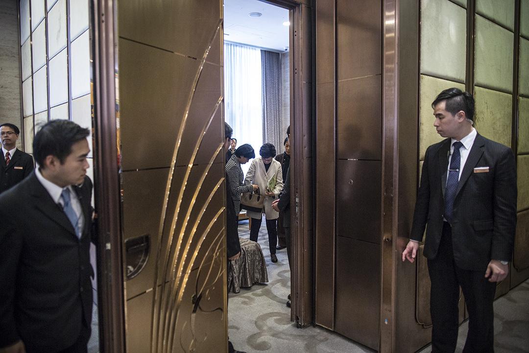 特首候選人林鄭月娥出席保險界選舉論壇。
