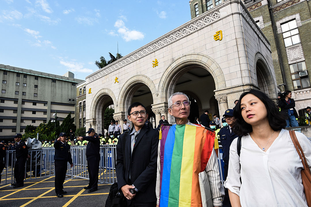 司法院憲法法庭外,支持及反對同性婚姻人士皆有到場抗議。