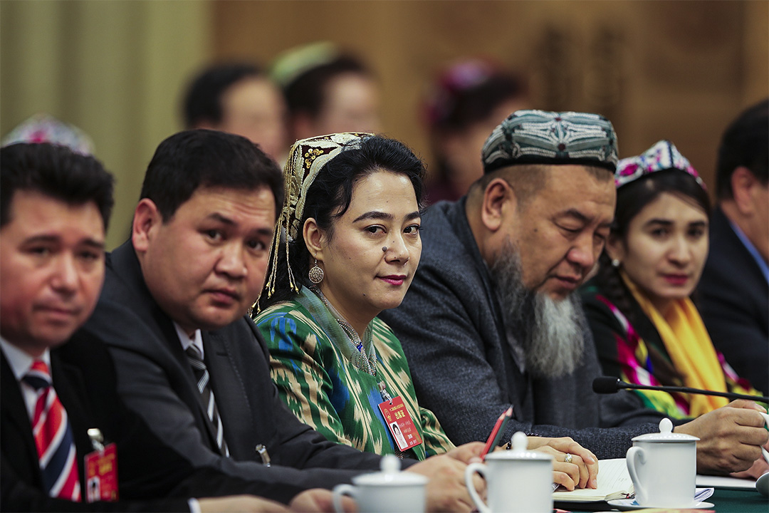 早前中國兩會期間新疆地區代表。