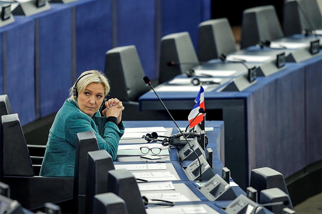 2016年2月3日,勒龐 (Marine Le Pen) 在法國出席歐洲議會的辯論。