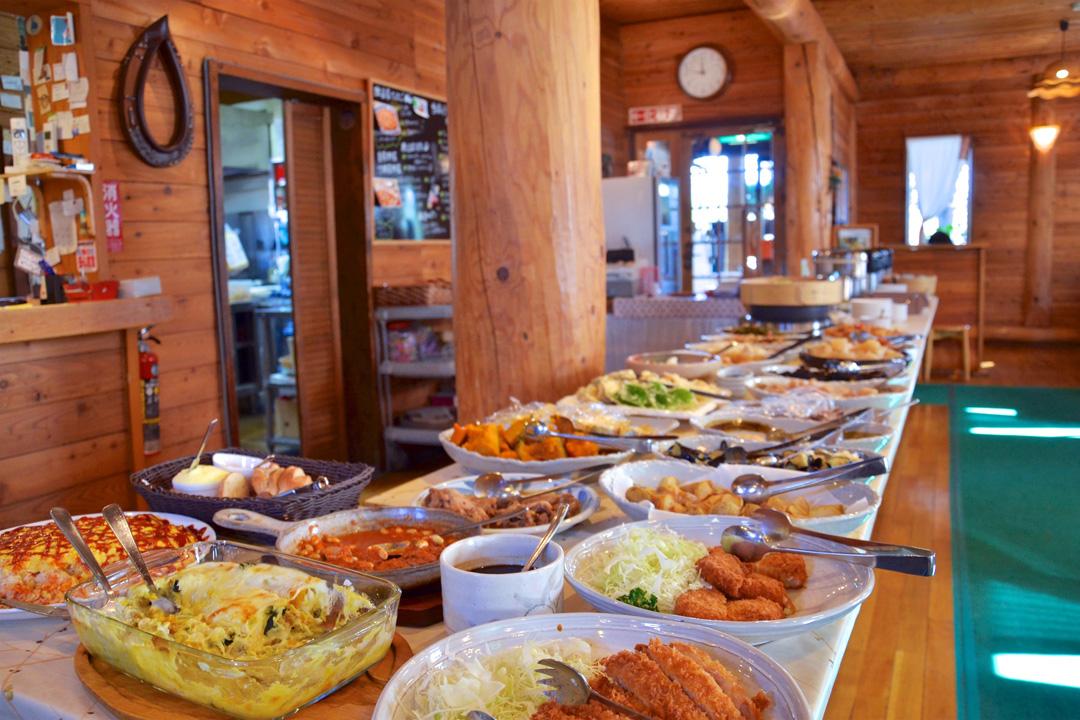 餐廳每天提供30款以上當季最新鮮的菜色。